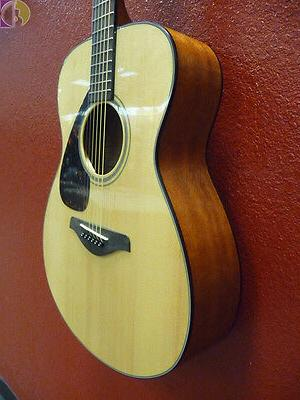 Yamaha FS800 Acoustic - Spruce